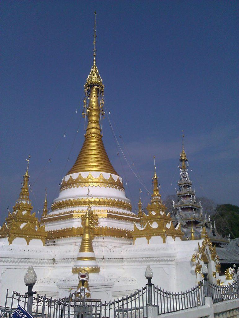 Wat Jong Kham and Wat Jong Klang
