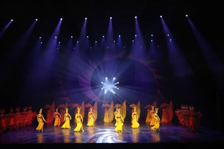Golden Mask Dynasty Show