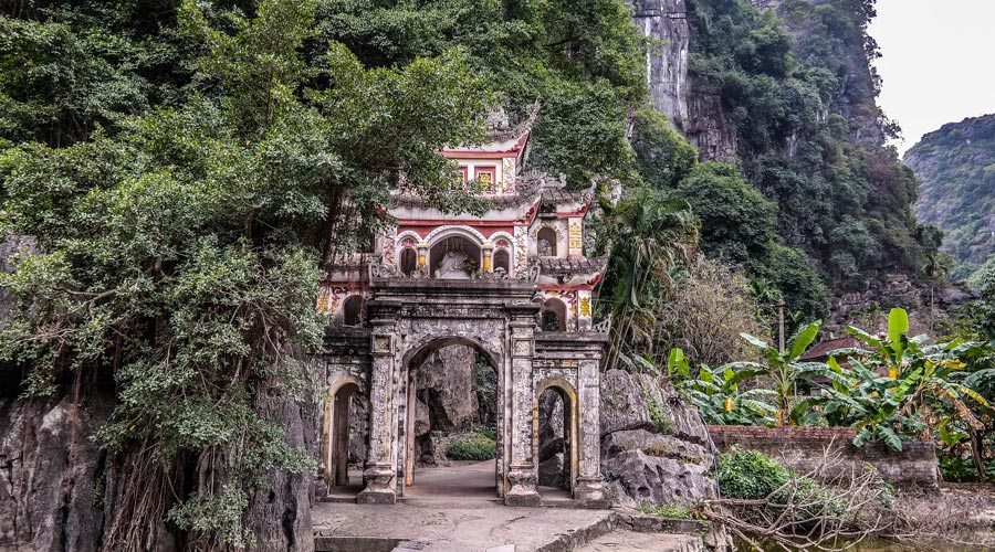 Bich Dong Pagoda - The Ancient Temple in Nin Binh 1