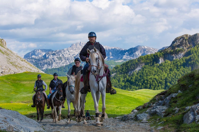 montenegro-riding
