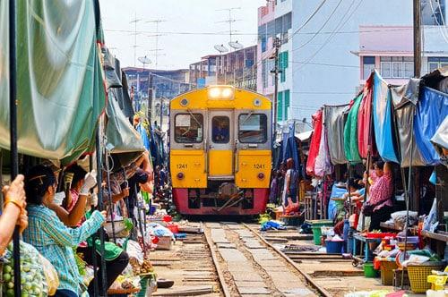 Train Market & Floating Market 1