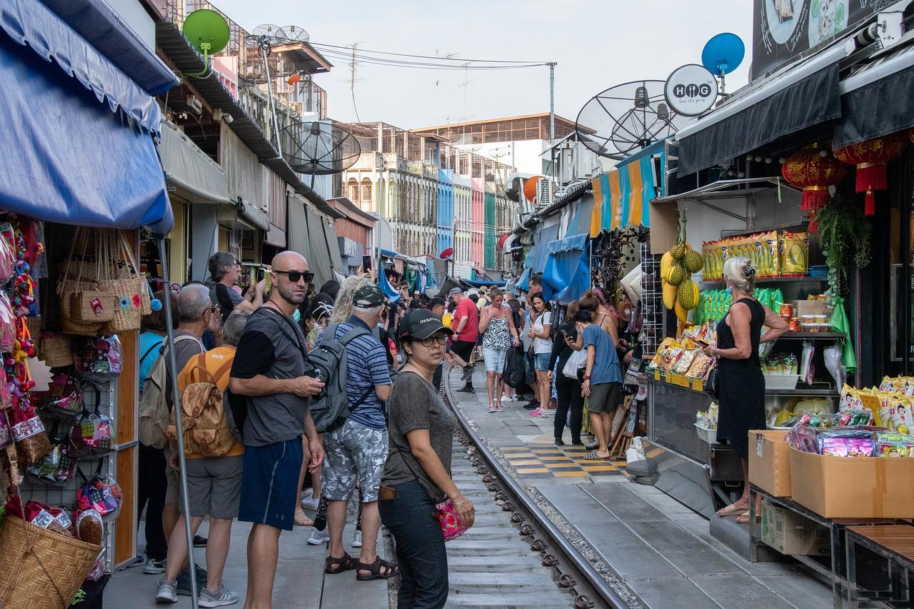 Train Market & Floating Market 8