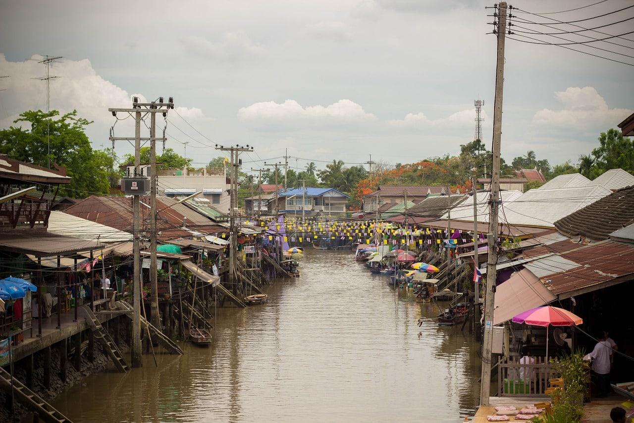 Train Market & Floating Market 5