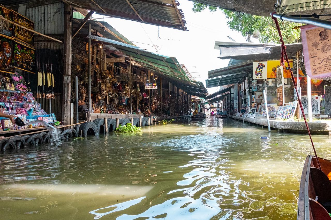Train Market & Floating Market 2