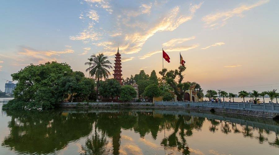 Tran Quoc Pagoda - Oldest Pagoda in Hanoi 1
