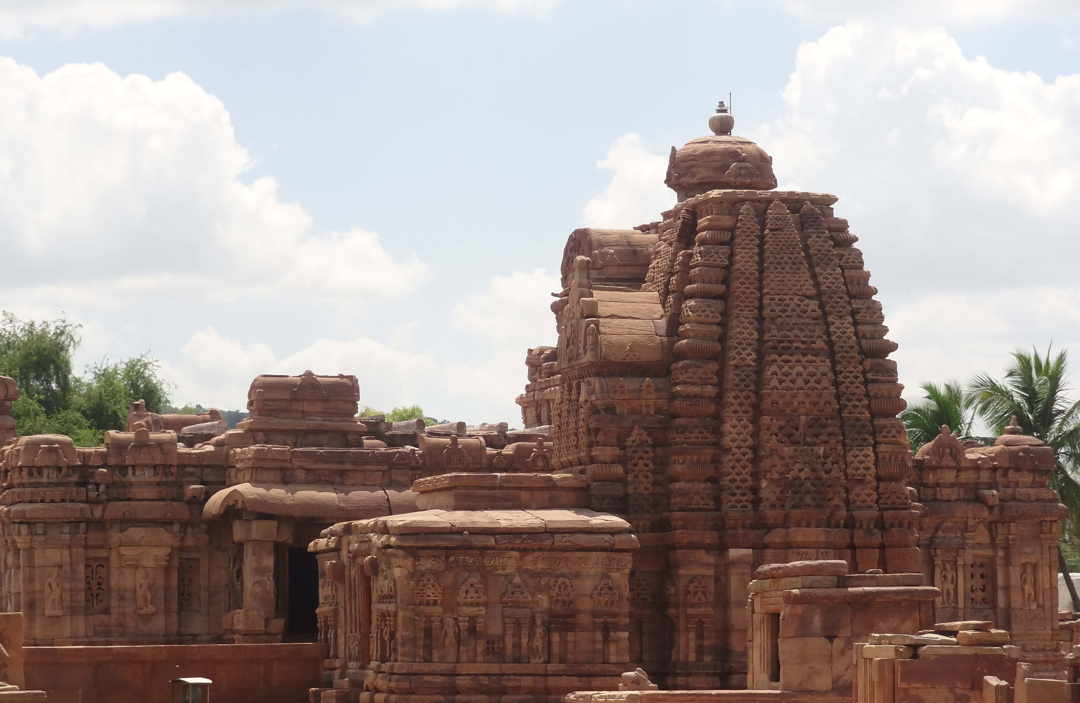 Hyderabad, Bijapur, Badami & Hampi Tour 8