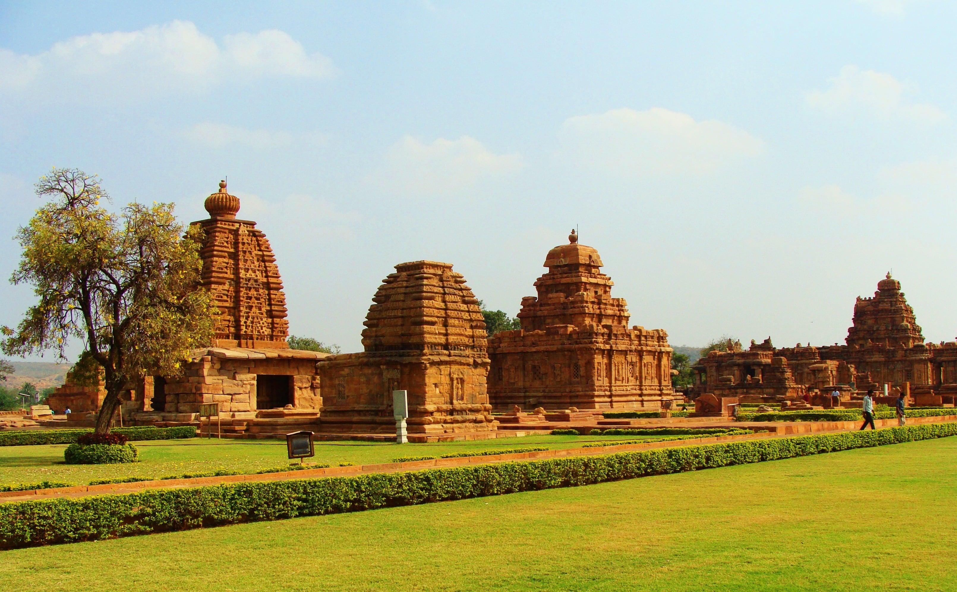 Hyderabad, Bijapur, Badami & Hampi Tour 7