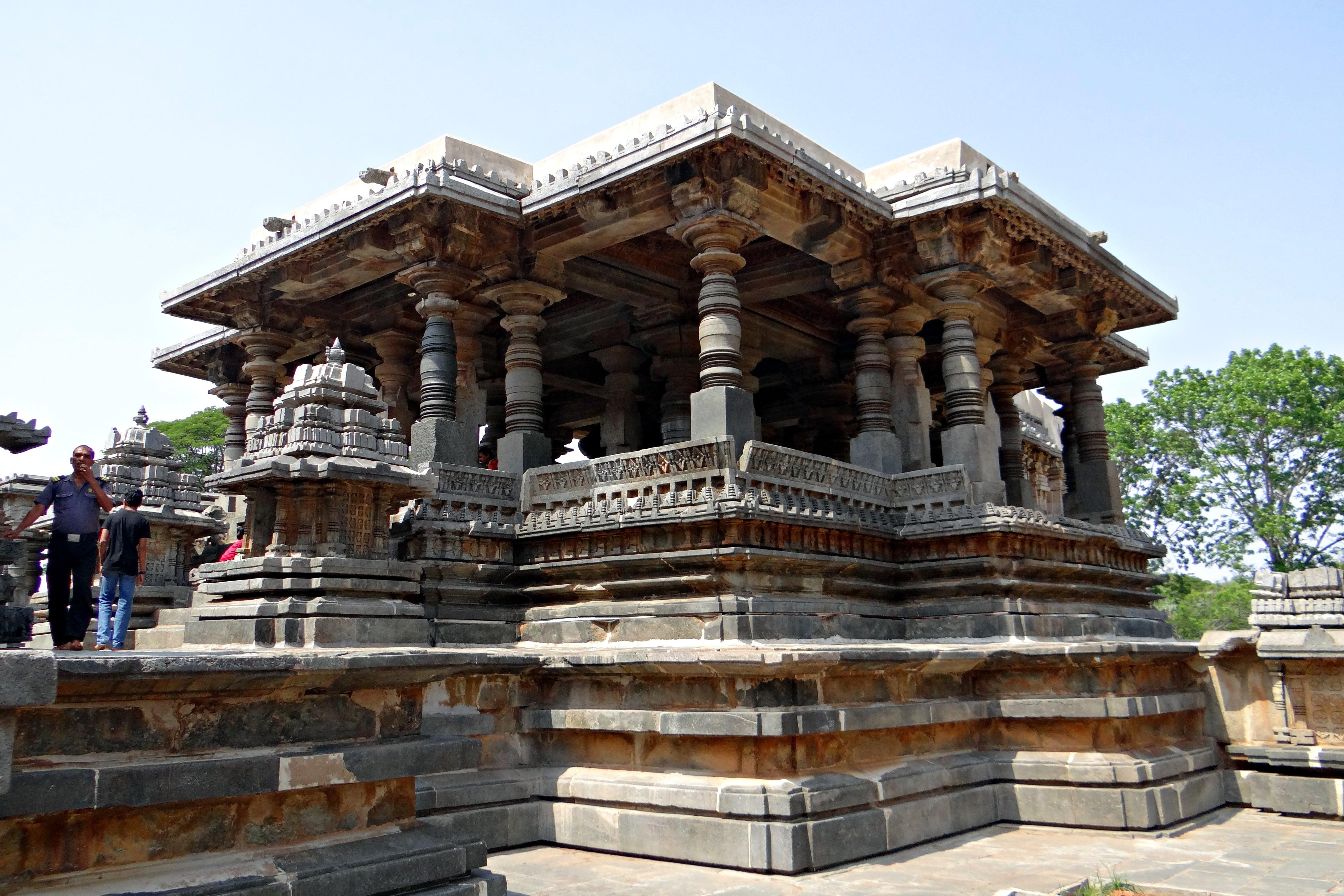 Grand Architecture & Goa Beach Tour from Mumbai 6