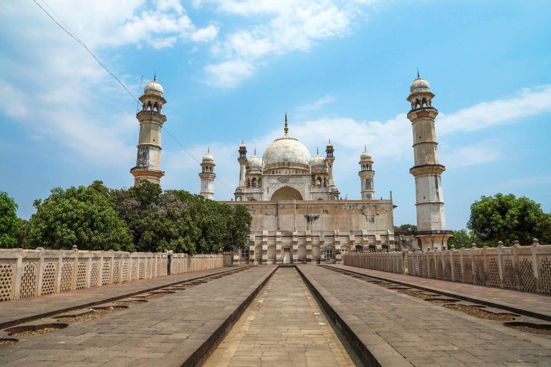 Aurangabad, Ajanta and Ellora Caves Tour 6