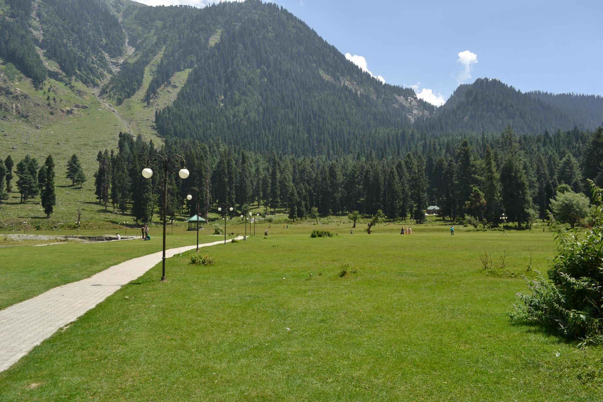 Delhi, Dharamshala, Kashmir Valley & Amritsar Tour 7