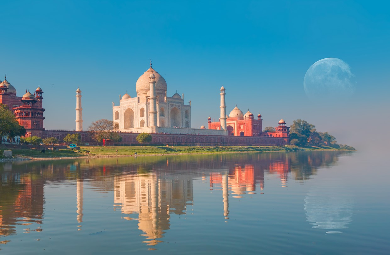 Taj Mahal in India 8