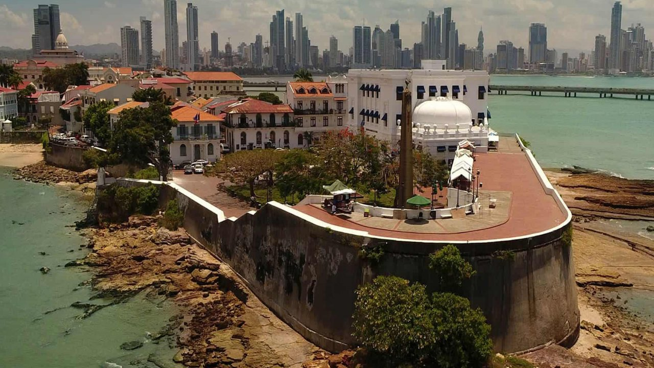 Panama Canal and Panama City Tour 8