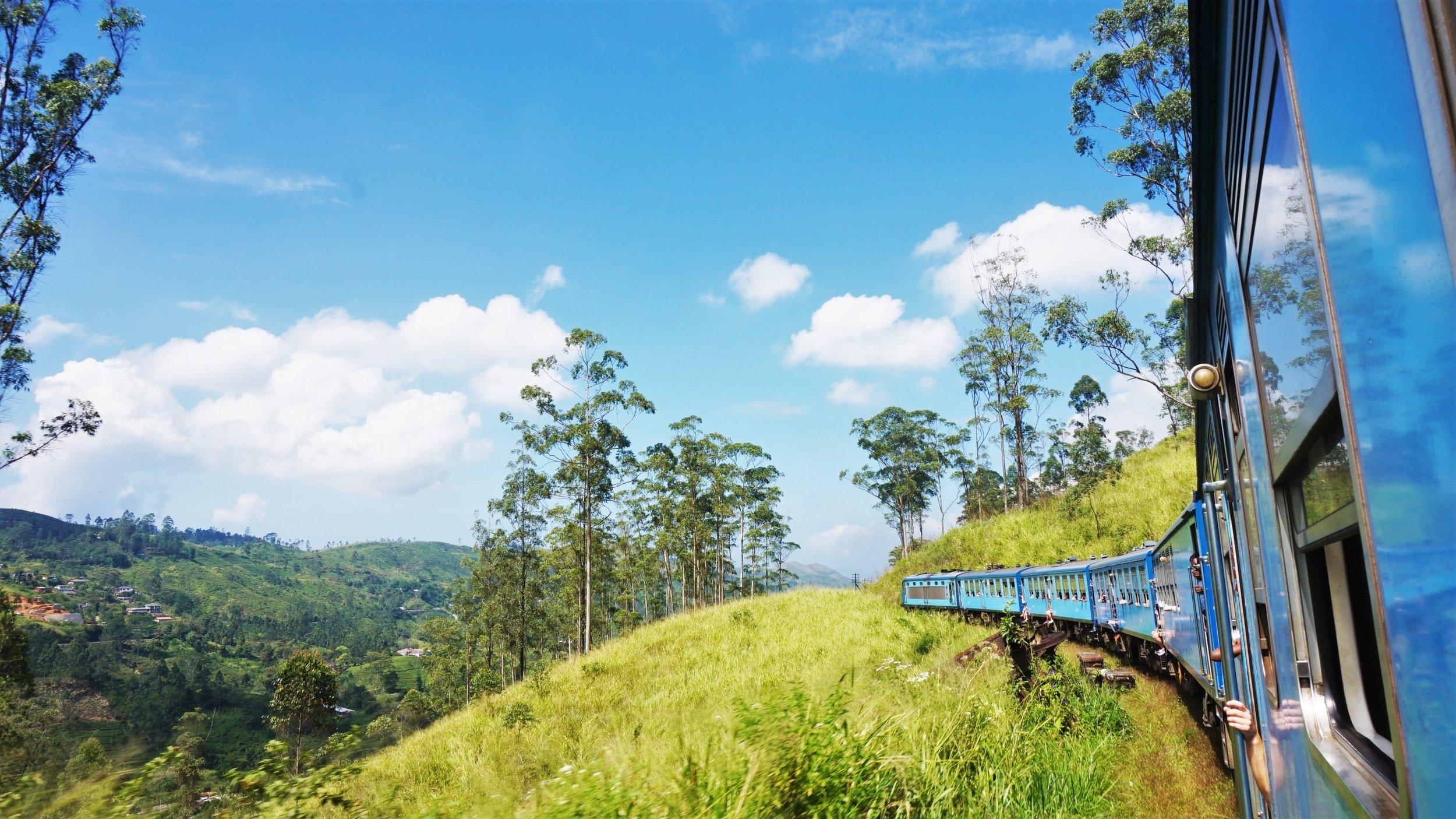 Take a Hill Sri Lanka Journey on the Rail Tracks 3