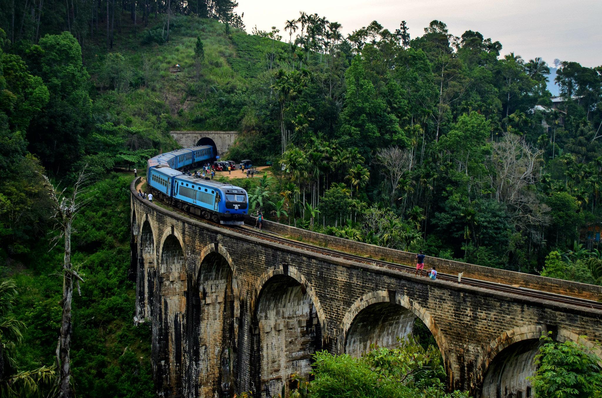 Take a Hill Sri Lanka Journey on the Rail Tracks 5