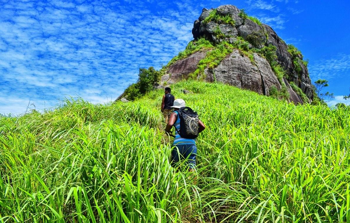 Sri Lanka Robinhood Village Trail with Alagalla Mountain Trekking 2