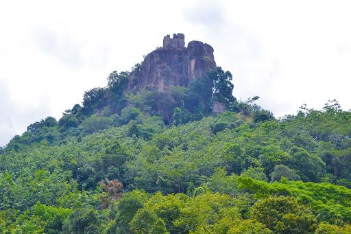 Sri Lanka Robinhood Village Trail with Alagalla Mountain Trekking 6