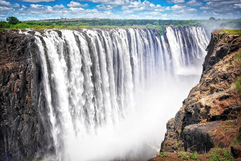 10 Days Okavango Delta, Caprivi, Chobe & Victoria Falls Camping Tour 1