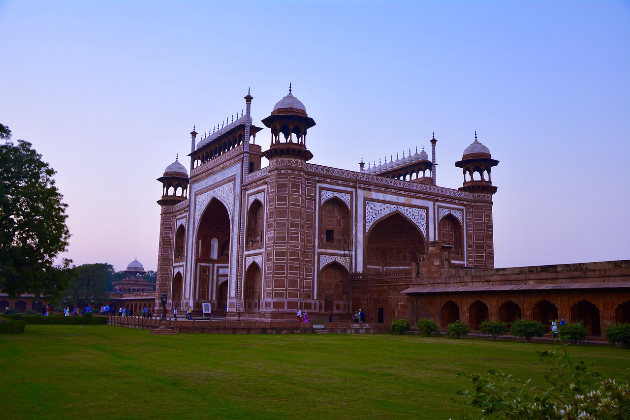 Delhi, Agra, Jaipur Golden Triangle Tour by Train 5