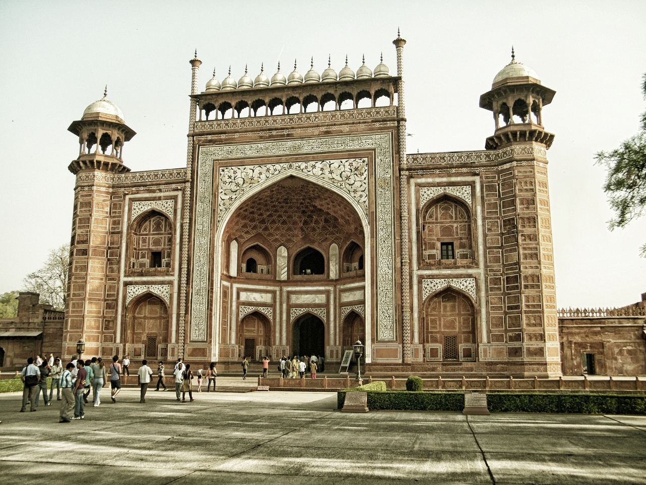 Delhi, Agra, Jaipur Golden Triangle Tour by Train 4