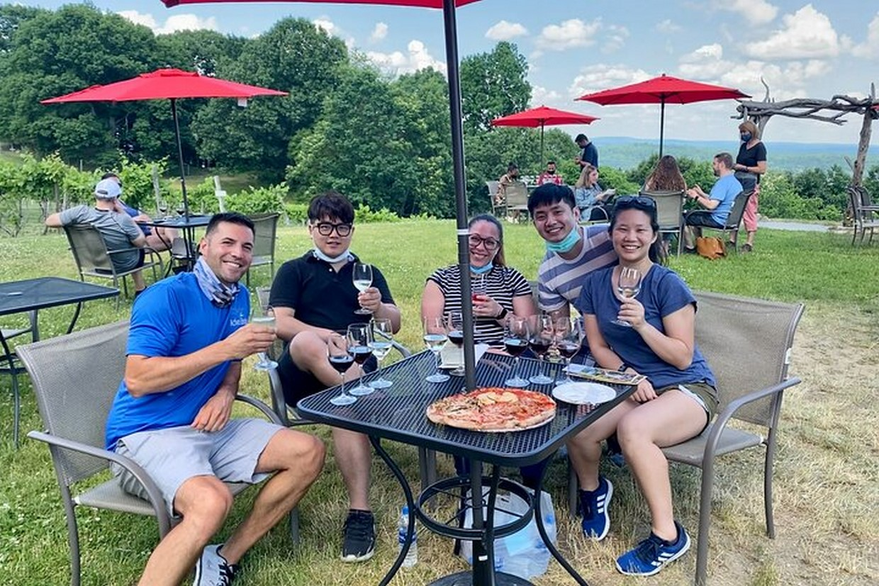 Full-Day Walkway Over the Hudson and Winery Tour 4