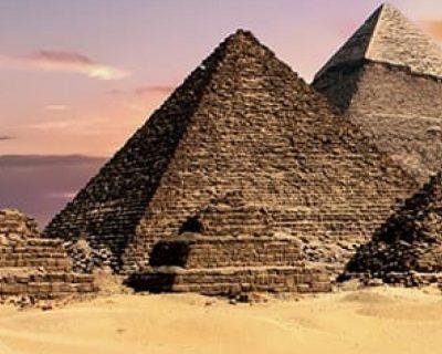 Pyramids of Giza & Egyptian Museum Tour