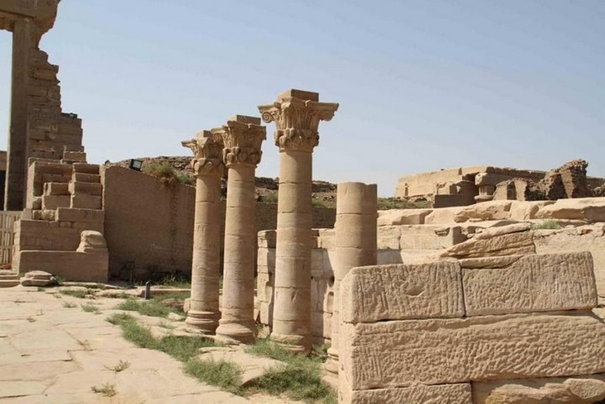 Guided Trip to Luxor East and West Banks with Dendera Temple 4