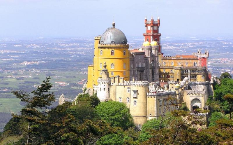 Sintra, Cascais and Cabo da Roca Private Lisbon Tour