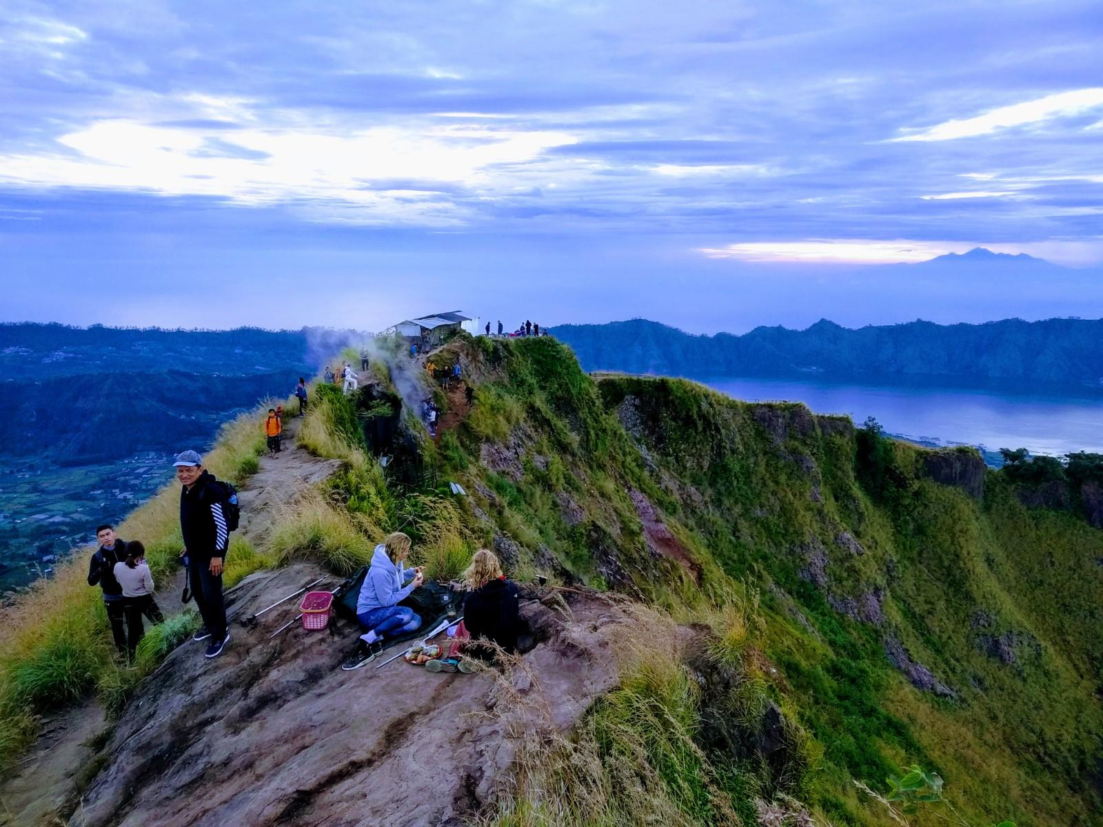 Mount Batur Trekking With Hot Spring 2