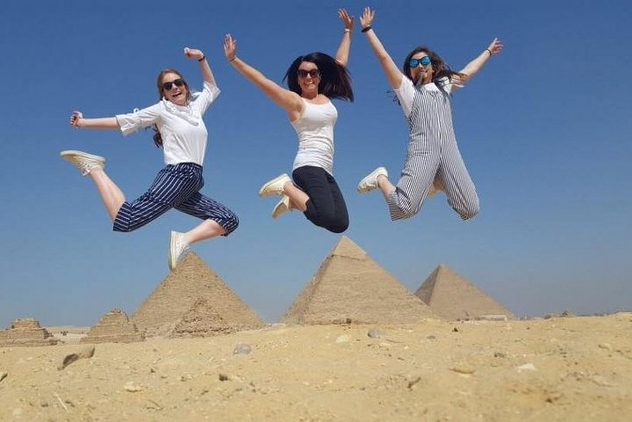 Full Day Giza Pyramids and Egyptian Museum