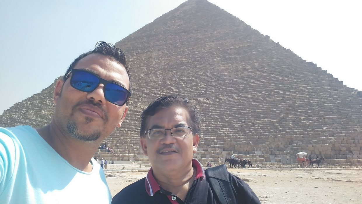 Full-Day Tour Pyramids of Giza ,Sphinx ,Memphis and Saqqara from Cairo 5
