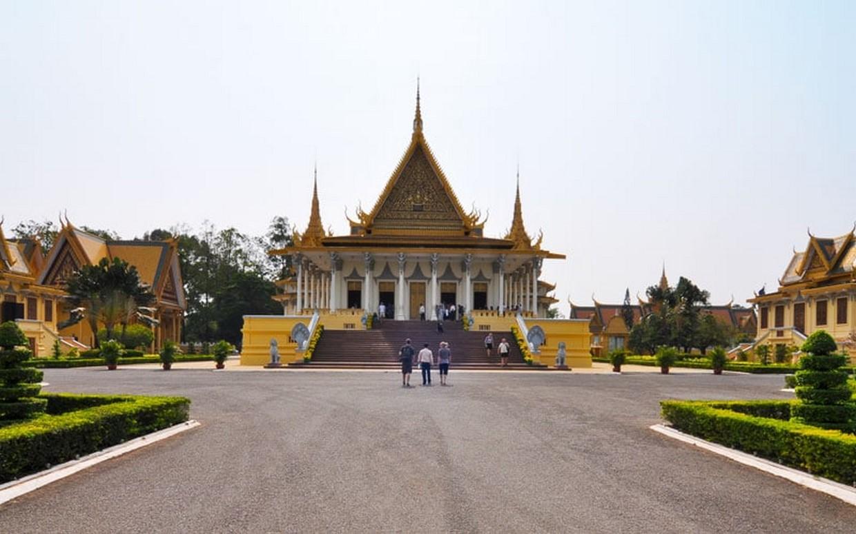 Angkor to Phnom Penh by Bicycle 2