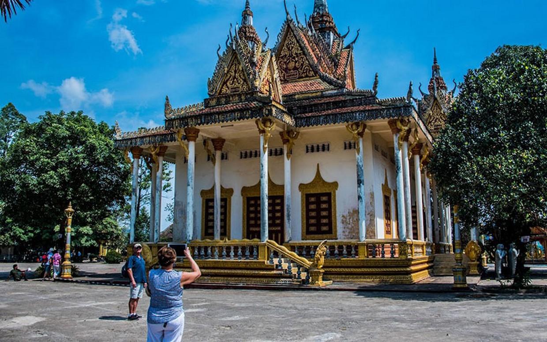 Angkor to Phnom Penh by Bicycle 8