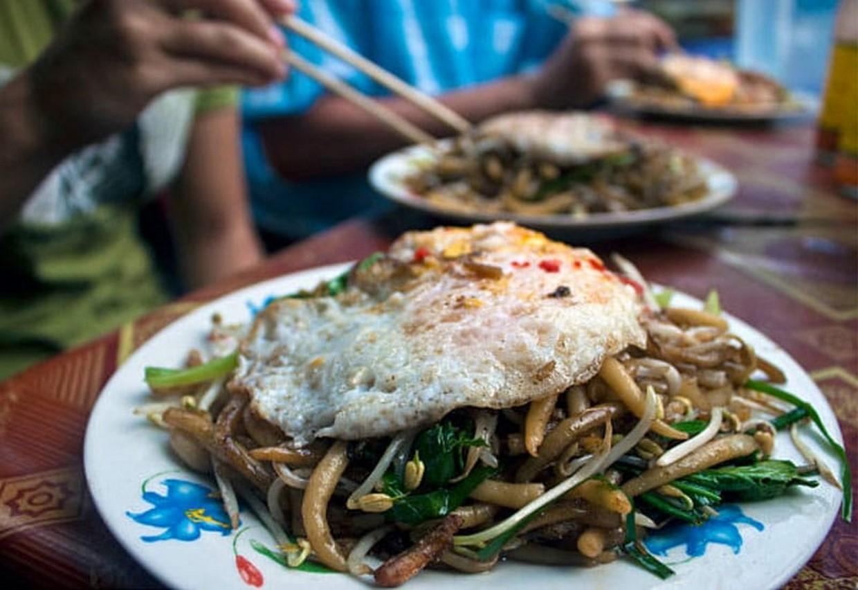 Angkor Bike & Bite - Cambodia Food & Cycling Tour 3