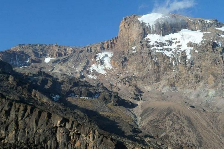 Ascend Mountain Kilimanjaro via Lemosho Route 4