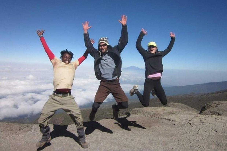 Tramping Mount Kilimanjaro Via Ubwe Route 8