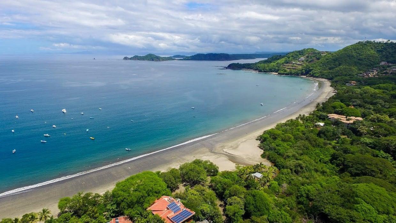 3 Volcanoes + Hermosa Beach All-Inclusive 8
