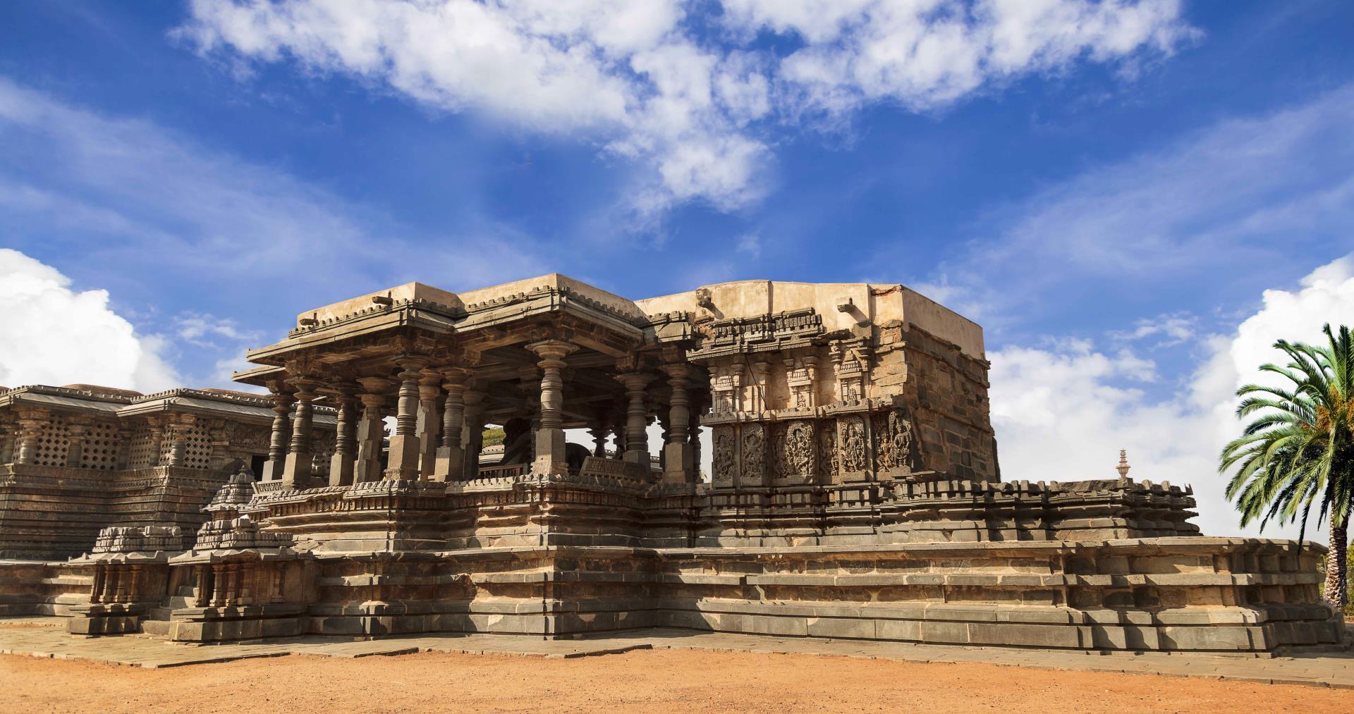 Hubli to Badami, Hampi, Belur, Halebidu, Mysore & Bangalore Tour 1