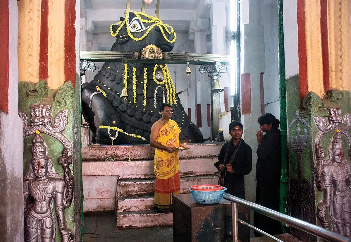 Hubli to Badami, Hampi, Belur, Halebidu, Mysore & Bangalore Tour 4