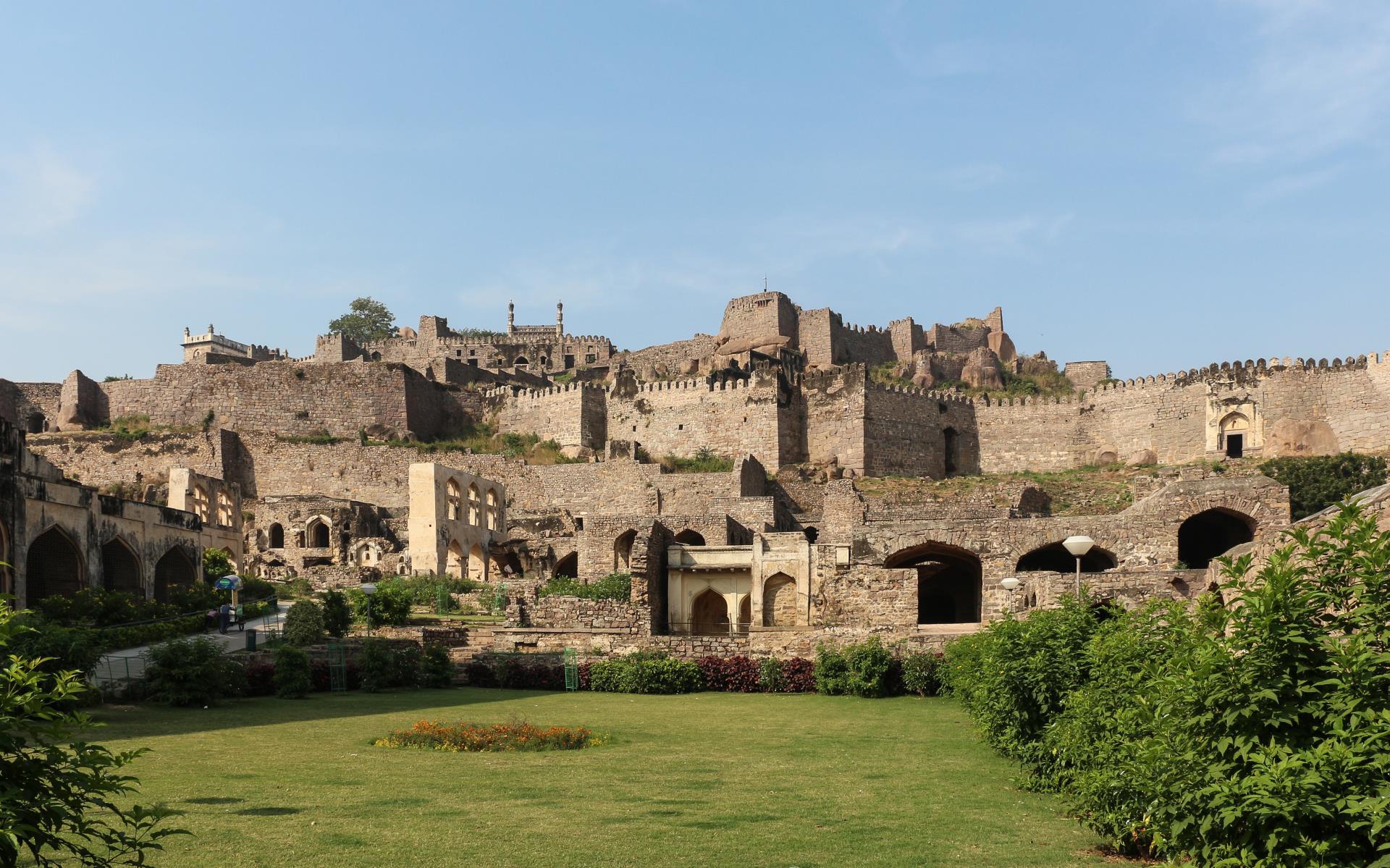 Hyderabad, Bijapur, Badami & Hampi Tour 2