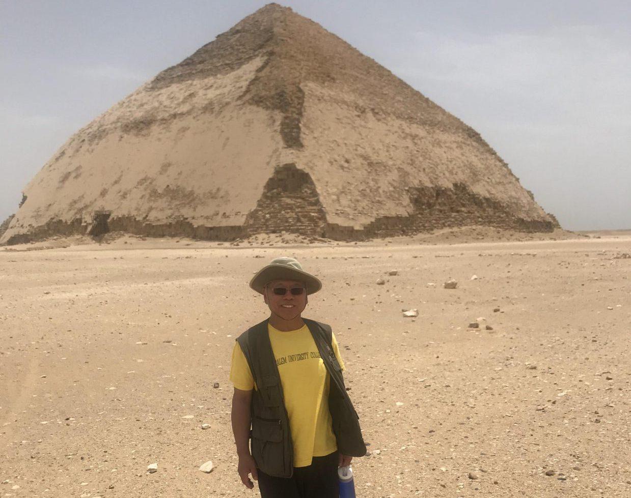 Private Day Tour to Giza Pyramids, Sphinx, Sakkara & Dahshur Pyramids 1