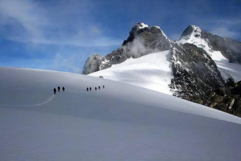 9 Days Rwenzori Mountain Climbing Trip in Uganda 1