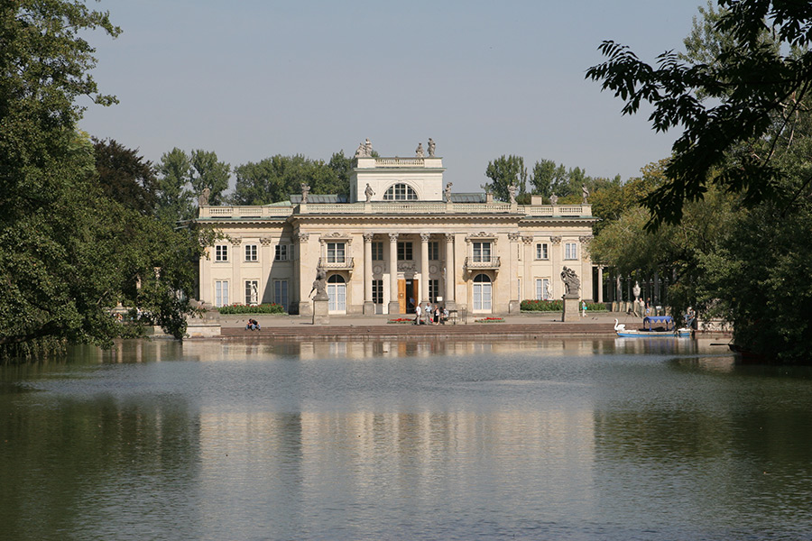 Royal Castle with Warsaw Old Town + Lazienki Park Private Tour 3