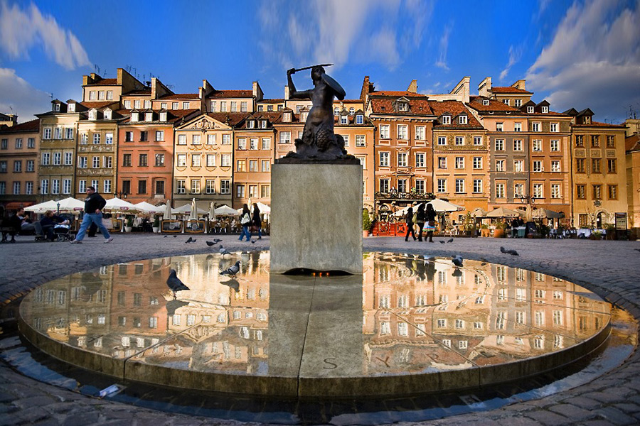 Warsaw Old Town (Royal Castle inside) + Warsaw Uprising Museum (1944) Private Tour 3