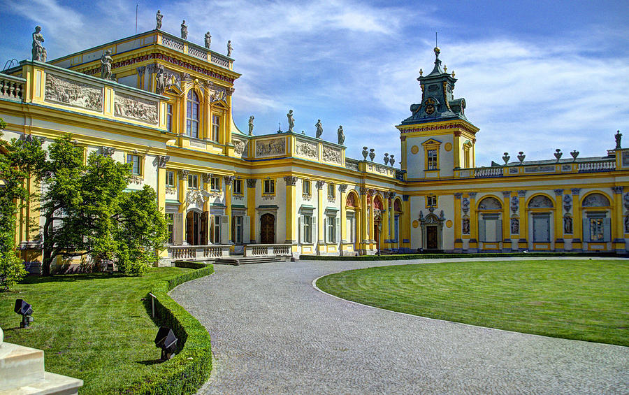 Royal Castle with Warsaw Old Town + Wilanow Palace of King Jan III Sobieski Private Tour 3