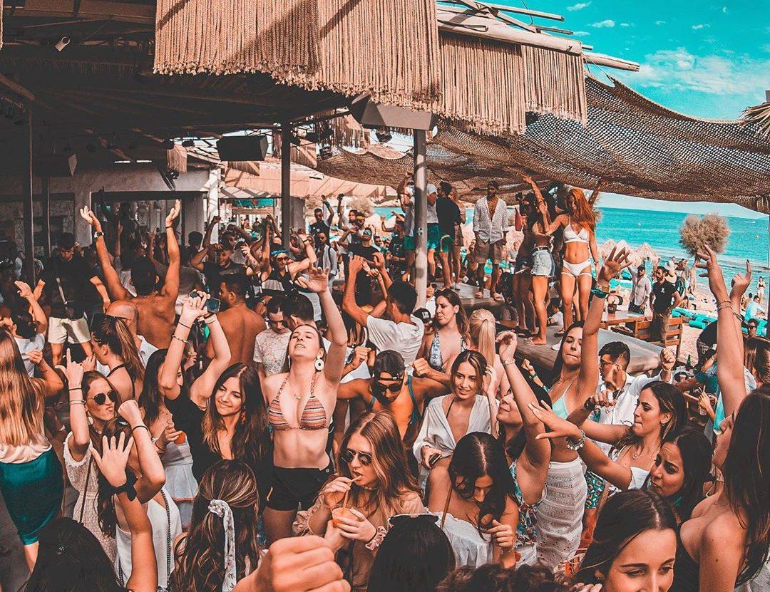 Mykonos South Coast & Paradise Cruise 1