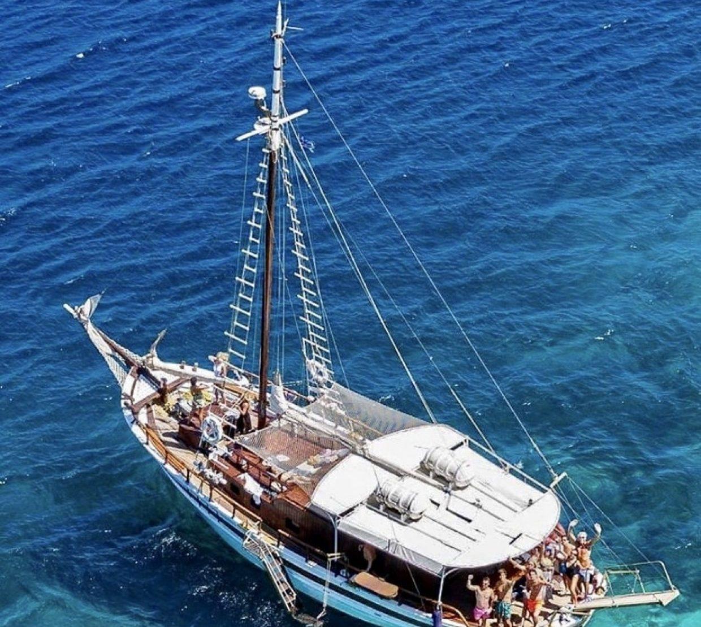 Mykonos South Coast & Paradise Cruise 3
