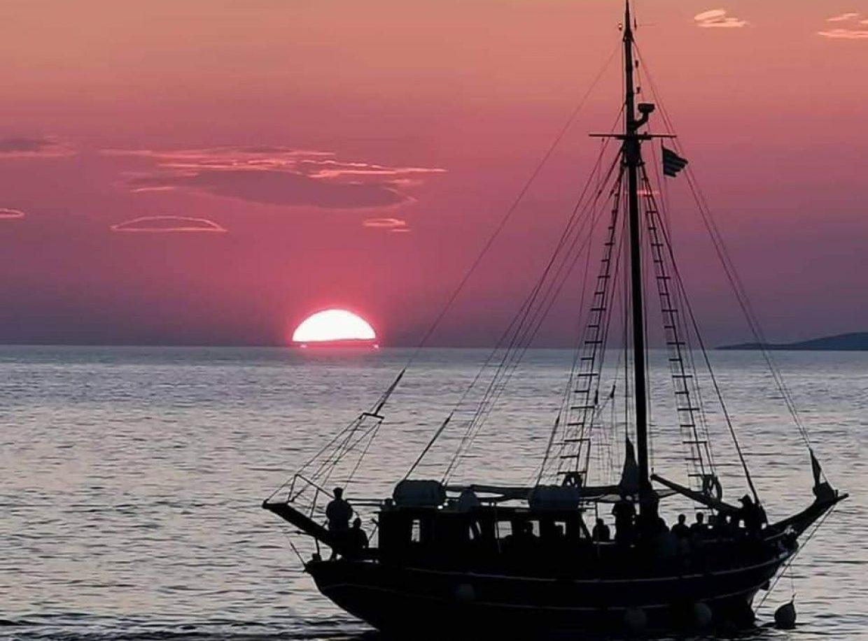 Mykonos Island - Rhenia & Sunset Cruise 1