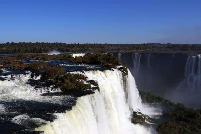 Iguacu Falls – One of Nature's 7 New Wonders 2
