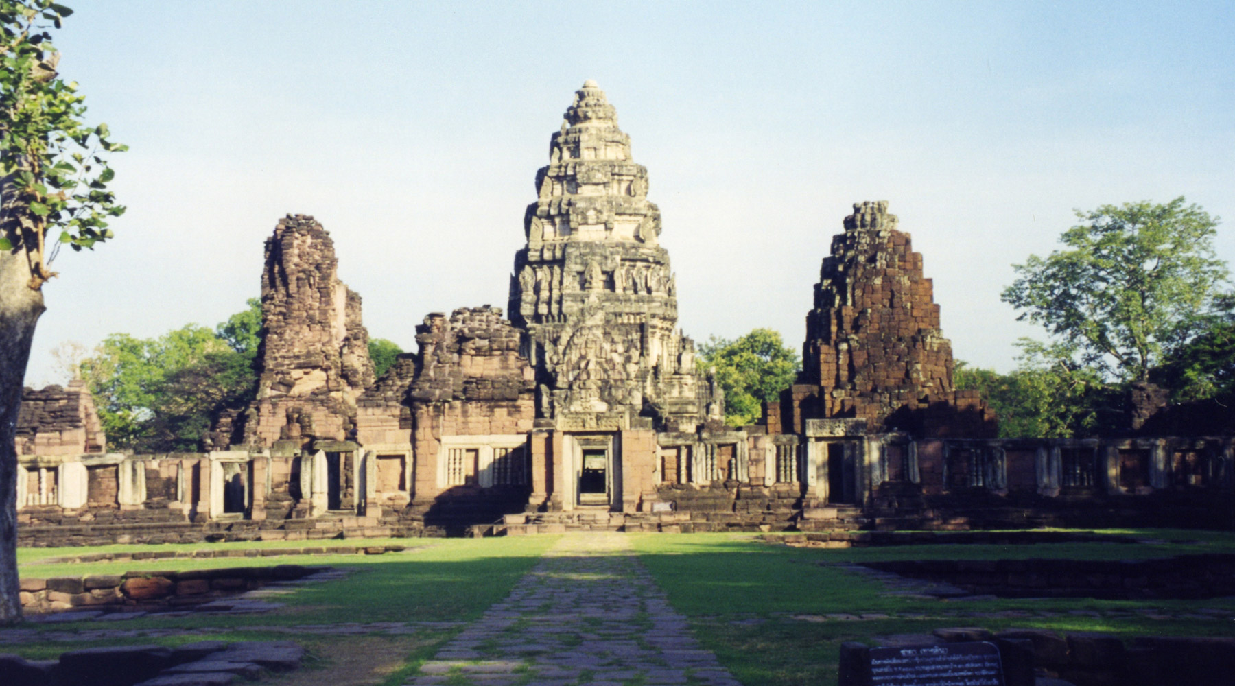 Prasat Hin Phimai – The Largest Khmer Temple in Thailand