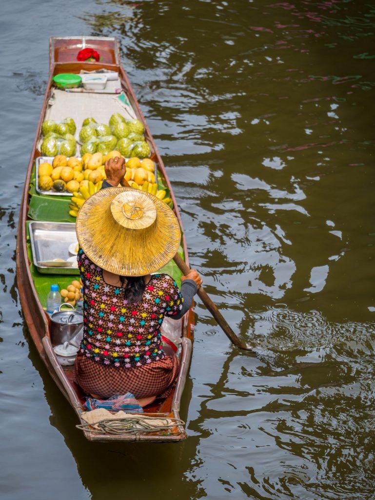 Damnoen Suduak Floating Market